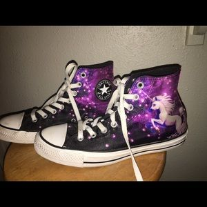 Women's 9 Unicorn All star converse with